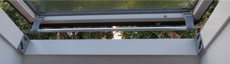Griffleiste mit grauen Haltern