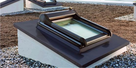 licht f r s flachdach dachfenster. Black Bedroom Furniture Sets. Home Design Ideas